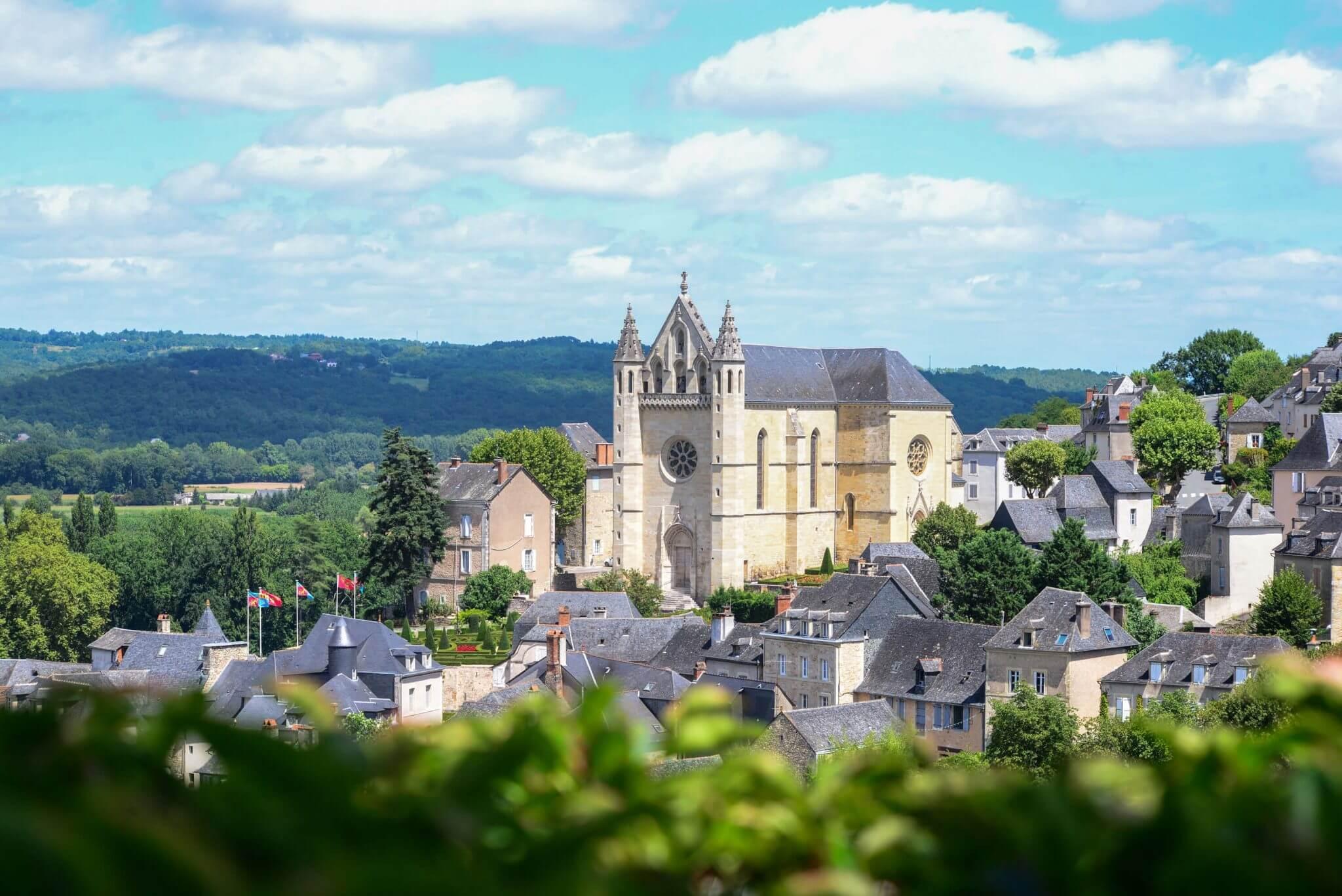 Vue sur la vieille ville de Terrasson-Lavilledieu
